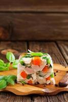 Terrine Potofe Schweinefleisch und Gemüse. foto