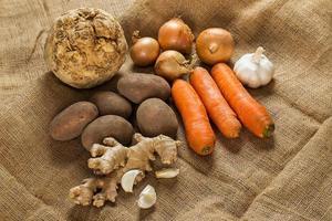 Gemüse auf Decke foto