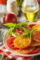 gesunder Erbstück Tomatensalat foto