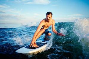 auf Wellen reiten foto