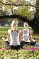 Folge von Yoga-Posen foto