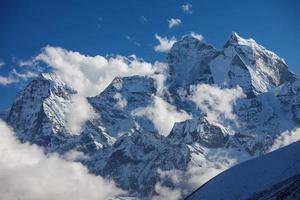 schöne Landschaft der Himalaya-Berge foto