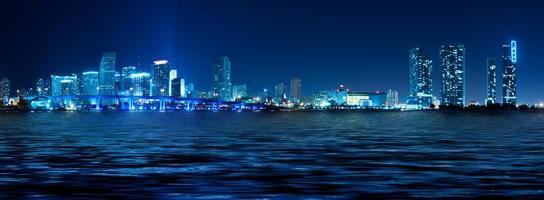 Miami Skyline in der Nacht