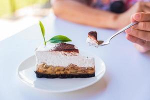 Banoffee Pie Kuchen mit grünem Tee foto
