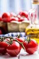 Tomaten. Kirschtomaten. Cocktail-Tomaten. foto
