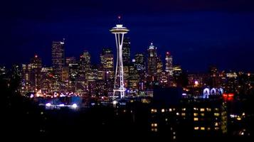 Seattle Skyline in der Nacht foto