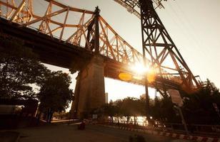 die Queensboro Bridge in Roosevelt Island foto