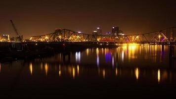 Innenstadt von Louisville, ky Nacht foto