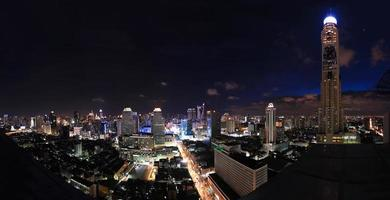 Langzeitbelichtung mit Stadtbildfoto