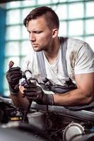 Autowerkstattarbeiter foto