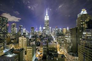 Manhattan in der Nacht foto