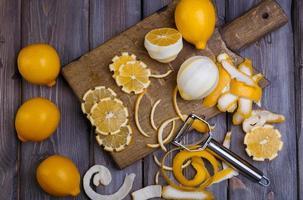 zurückhaltende Zitronen foto
