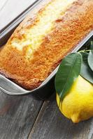 hausgemachter Zitronenkuchen foto