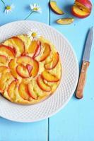 Kuchen mit Nektarinen, Blick von oben foto
