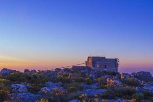 Seilbahnstation oben auf dem Tafelberg 1 foto