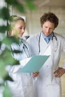 Ärzte diskutieren über Akte
