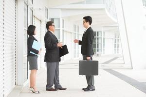 asiatische Business-Team-Diskussion foto