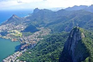 Der Christus-Erlöser mit Blick auf Rio de Janeiro foto