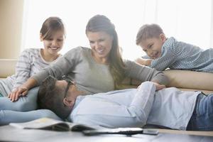 Familie zu Hause foto