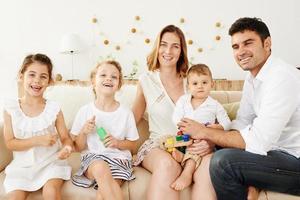 glückliche europäische familie foto