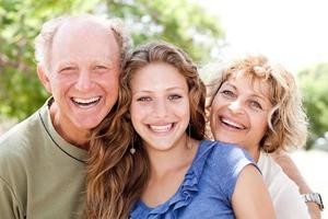 Porträt der glücklichen Familie