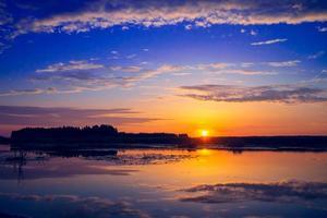 erstaunlicher Sonnenuntergang foto
