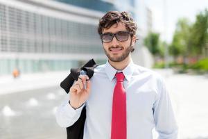 Porträt eines schönen Geschäftsmannes foto