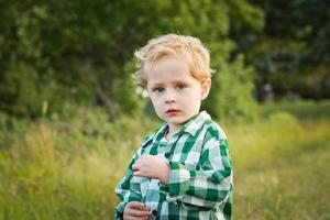 kleiner Junge foto