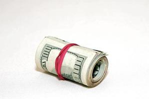 Ein Bündel Geldscheine foto