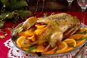 Ente mit Orangen am Silvesterabend foto