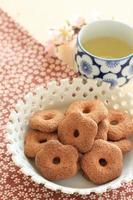 japanische Süßwaren, blütenförmiger Keks foto