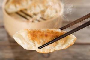 Chinesische Vorspeise Pfanne gebratene Knödel foto