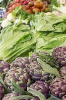 Salat und Artischocken foto