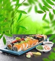 japanisches Sushi-Set mit Meeresfrüchten foto