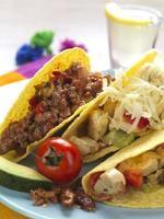 Platte mit Tacos foto