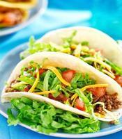 mexikanisches Essen - Softshell-Tacos foto