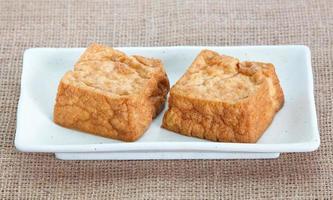 frittierte Tofu-Blase oder Bohnenquark-Tofu foto