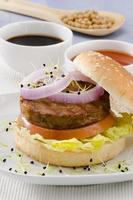 vegetarischer Tofu-Burger. foto