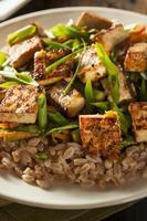 hausgemachter Tofu unter Rühren braten