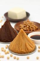 traditionelle japanische Sojabohnen verarbeitete Lebensmittel foto
