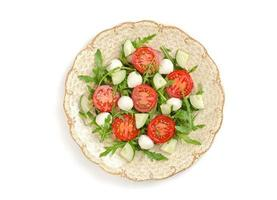 Salat mit Tomaten und Mozzarella