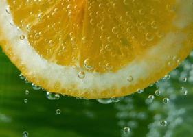 mit Zitrone trinken foto