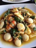 würzige gebratene Schale. Thai Essen foto