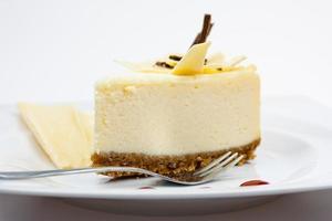 Käsekuchen mit weißer Schokolade foto
