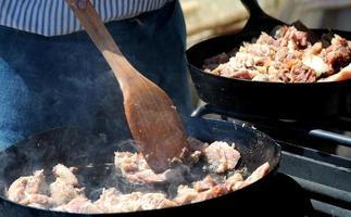 holländischer Ofen kochen. foto