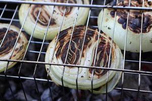 Zwiebeln kochen foto