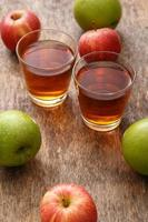 Glas Apfelsaft foto