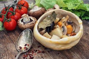 Gemüsepfannenrezept traditionelle ukrainische Küche foto