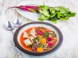 Suppe mit jungen Rüben