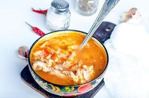 Kohlsuppe mit saurer Sahne foto